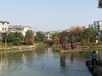 亚龙湾别墅,中央公园和宣中旁边,毛坯,有院子,无税,编181226