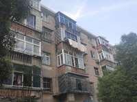 JL:西林典典组团74平方,4楼两室一厅间装家电家具齐全租金700月,