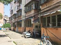 东门凤鳯桥旁.建行宿舍准拆迁地段68.5平米 老式装 49.8万.无税