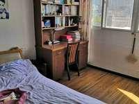 富春公寓旁 多层5楼 三室二厅 99平 精装 76万 无税