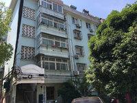 沁园小区 1楼 二室一厅 63平 另有院子30平 简装 52.6万 无税