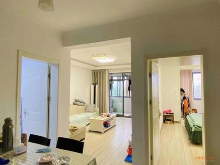 奋飞学区房 华夏湖畔御苑 精装两室 南北通透 客厅通阳台 拎包入住 前无遮挡